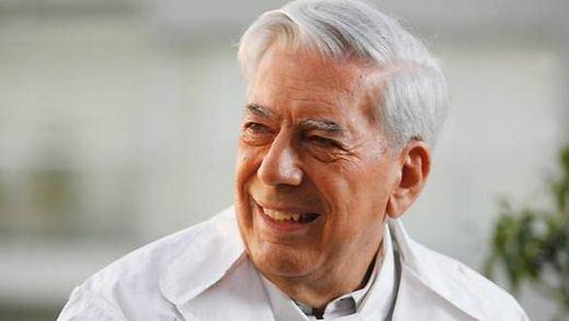 Mario Vargas Llosa, ingresado tras un accidente casero