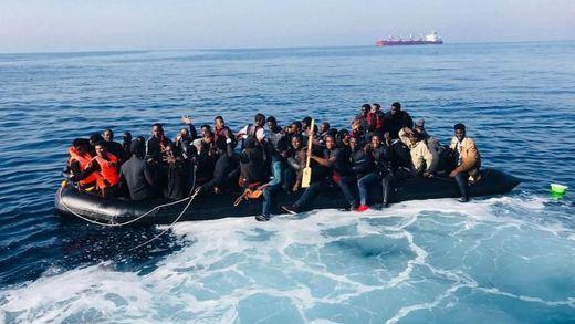 Salvamento Marítimo rescata este fin de semana a más de 900 personas de las pateras en aguas españolas