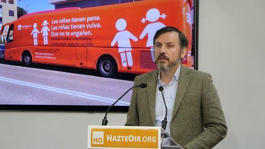 Los ultracatólicos de HazteOir quieren que Casado suceda a Rajoy