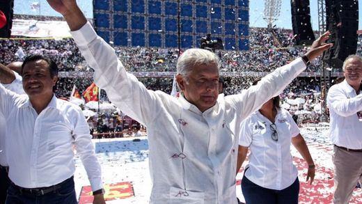 La izquierda llega a México de la mano de López Obrador