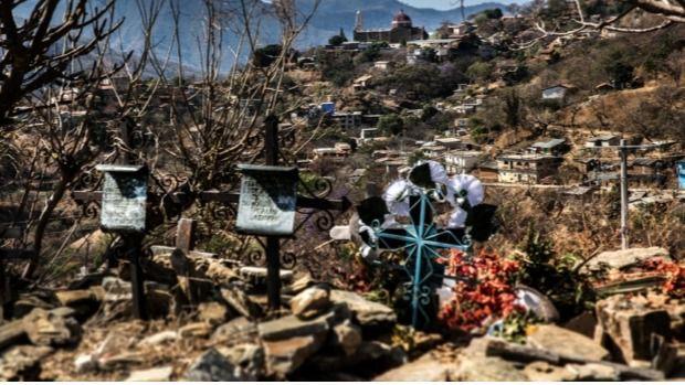 Cementerio en uno de los pueblos de Guerrero (México)