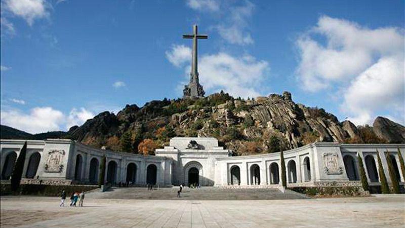 Los restos de Primo de Rivera serán exhumados pero permanecerán en el Valle de los Caídos