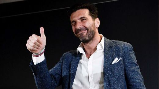 El PSG confirma el fichaje de Buffon