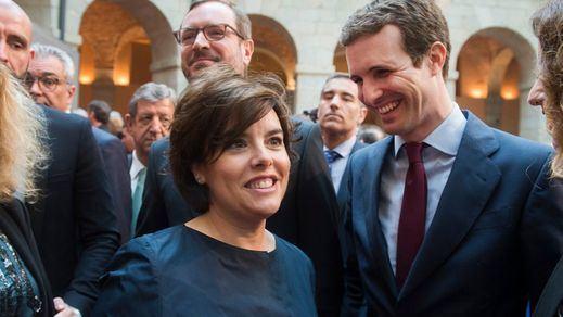 Casado echa en cara a Sáenz de Santamaría la gestión 'blanda' de la crisis catalana