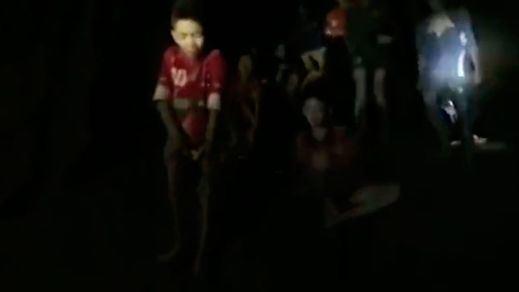 Éxito de la primera parte del rescate en Tailandia: 4 niños han salido