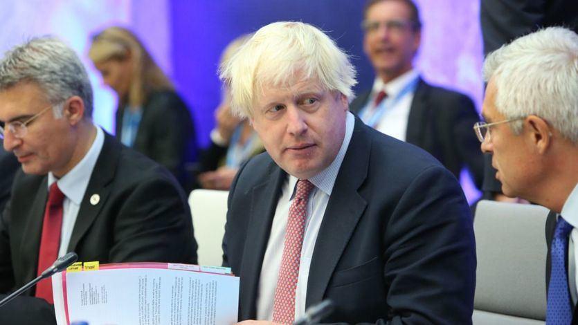 Dimite el ministro de Exteriores británico Boris Johnson