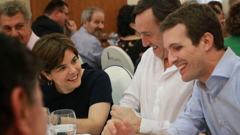 Soraya Sáenz de Santamaría y Pablo Casado en la cena de verano del GPP