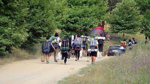 Parche al follón de los campamentos en inglés del Ministerio de Educación