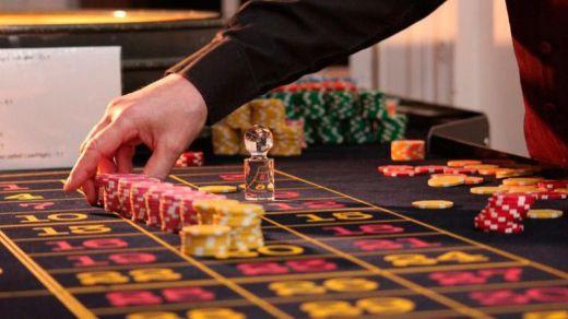 Blackjack y tragamonedas online