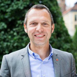 Parlamentario de la izquierda sueca le dice a Bildu que el TAV es bueno para Europa