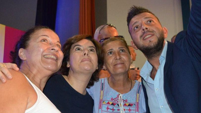 Santamaría afronta la fase final de las primarias del PP como favorita pese a las ofensivas de Casado