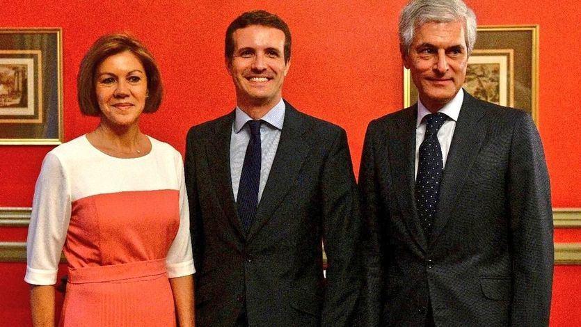 Cospedal también apoya a Casado y las primarias del PP se convierten en un 'todos contra Soraya'