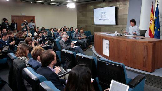 La ministra de Educación y Formación Profesional y portavoz del Gobierno, María Isabel Celaá, durante la rueda de prensa posterior al Consejo de Gobierno.