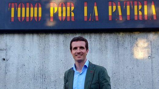 Los seguidores de Santamaría responden con un vídeo contra Casado: el pasado del candidato