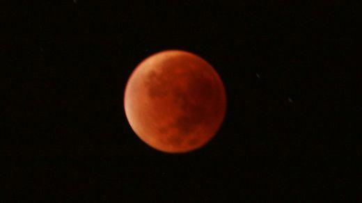 Eclipse lunar este viernes 27 de julio: será muy especial e histórico por esto