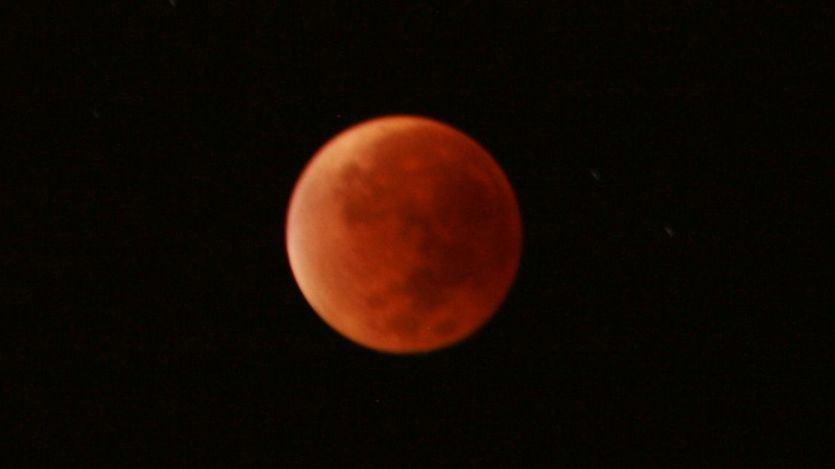 Así fue el eclipse lunar más largo del siglo