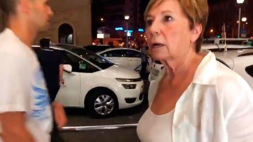 Celia Villalobos afectada por la huelga de taxistas en Málaga