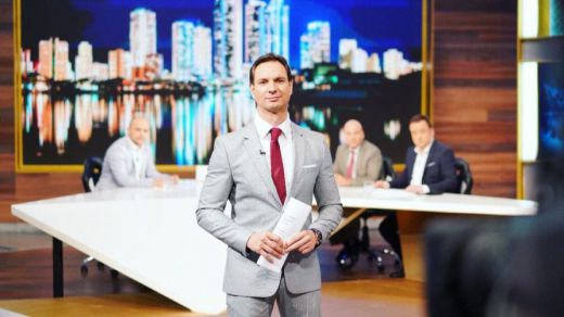 ¿Primera baja en RTVE?: en el aire el programa de Javier Cárdenas, quien asegura que continuará