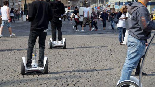 Patinetes eléctricos, monociclos, segways... ¿pueden los vehículos de movilidad personal (VMP) circular por la calle?