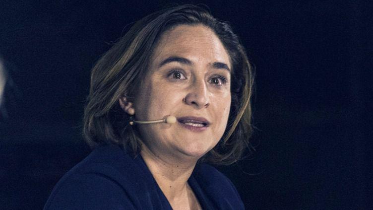 Ada Colau se sincera en una entrevista: lo que piensa de España, Pablo Casado, el rey Felipe, su sexualidad...