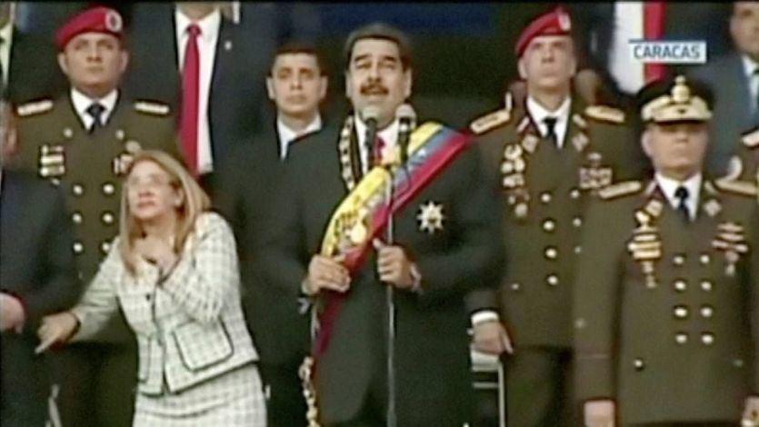 Maduro sobrevive a un atentado con explosivos cargados en drones durante un acto público