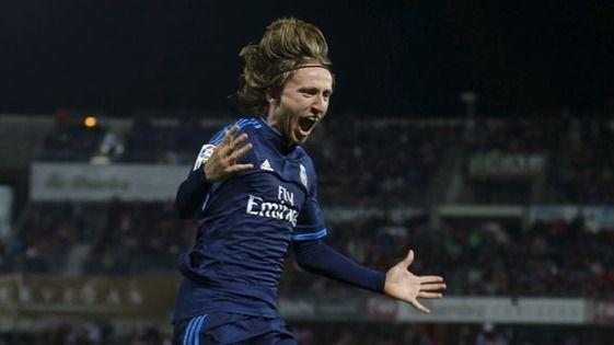 El Madrid intentará convencer a Modric por las buenas y un aumento, pero sigue en alerta