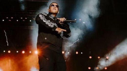 Se hace pasar por Daddy Yankee y le roba dos millones en joyas en un hotel de Valencia