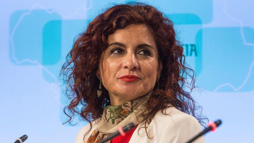Montero propone a las autonomías que recauden más impuestos para mejorar la financiación autonómica