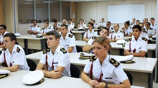 Instalar guarderías y wifi en todos los cuarteles: los planes de Defensa en materia de conciliación
