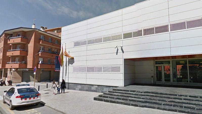 Un hombre argelino, abatido en una comisaría de Mossos en Cornellá