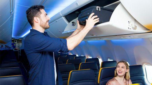 Ryanair cobrará también a partir de noviembre las maletas pequeñas subidas a cabina