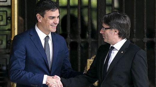 Puigdemont abre la vía de la negociación con Sánchez pidiendo hablar de