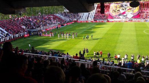 El Rayo se queda sin estadio hasta nueva orden por seguridad en las obras