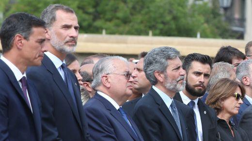 Los Mossos iban a retirar la pancarta contra el Rey del 17-A, pero el Govern catalán lo impidió