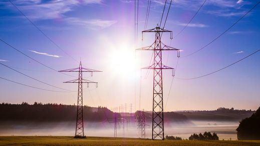 Los precios de la electricidad se disparan de nuevo con otro máximo anual