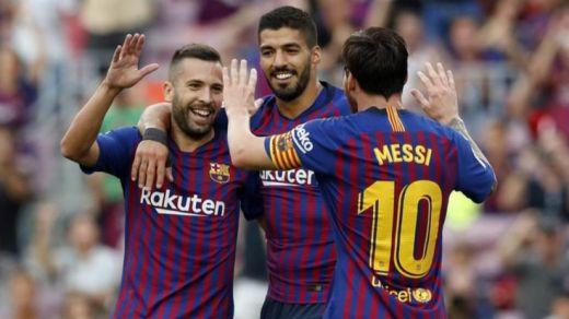 El Barça le quita el liderato al Madrid a base de goles a Huesca (8-2)
