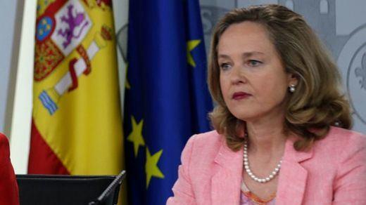 Calviño pide calma ante las alertas de desaceleración de la economía