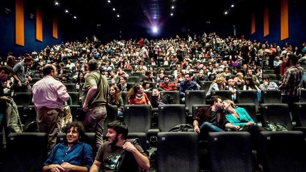 Los cines se defienden y aseguran que s han bajado el for Cine capitol precio entrada