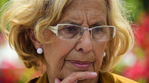 Carmena y su 'agrupación de electores', un formato que sienta como una bomba en IU y Podemos