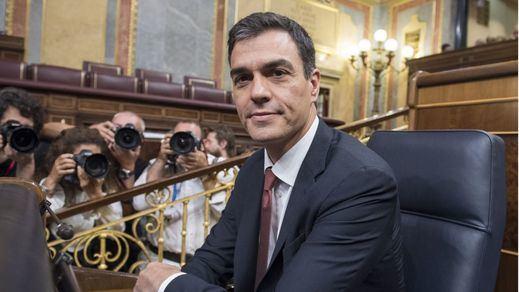 Sánchez sigue sosteniendo a Montón a pesar de las revelaciones y presiones