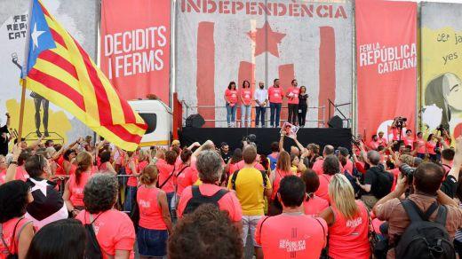 Pinchazo independentista: a pesar de la alta movilización, fue otra Diada más con menos gente en las calles