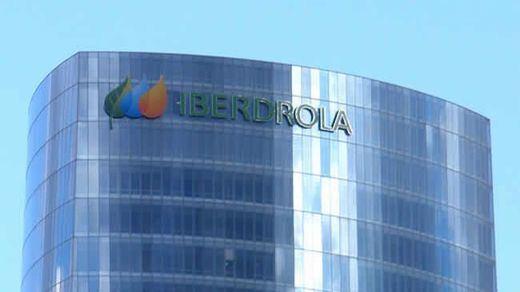 Iberdrola despliega la mayor red de estaciones de recarga rápida en autovías y corredores en España