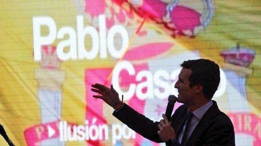 Casado aprovecha la crisis de la tesis de Sánchez para exigirle