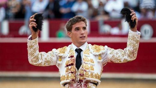 Diego Carretero gana la partida a los apáticos y conformistas Castella y Manzanares