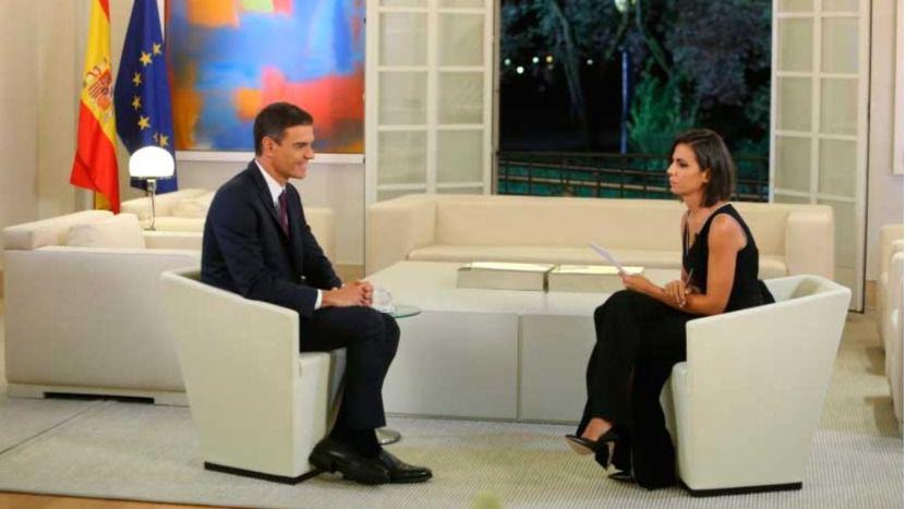 El presidente del Gobierno, Pedro Sánchez, entrevistado por la periodista Ana Pastor en 'El Objetivo' de 'La Sexta'