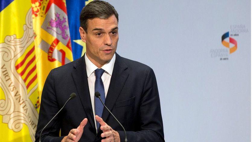 Sánchez atribuye a un 'fallo en una reseña' el plagio en su libro pero acepta comparecer en el Senado