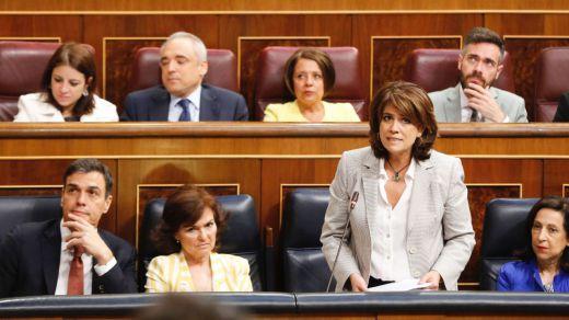 El Senado reprueba a Delgado y aumentan las voces que piden su dimisión