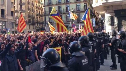 Dos detenidos en la protesta independentista contra la manifestación de policías en Barcelona