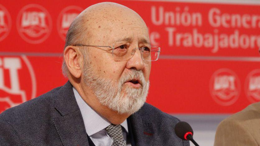 Acusan al PSOE de haber asaltado el CIS con Tezanos y 'cocinar' la encuesta que le da como triunfador absoluto