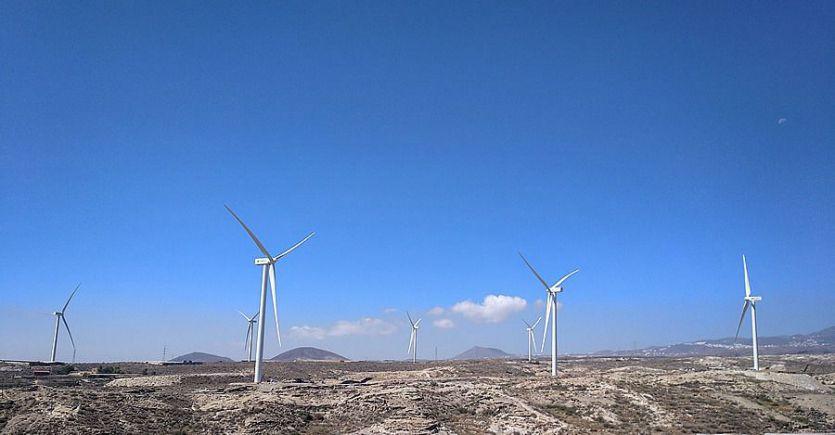 Iberdrola completa el montaje de los aerogeneradores de su primer parque eólico en Canarias